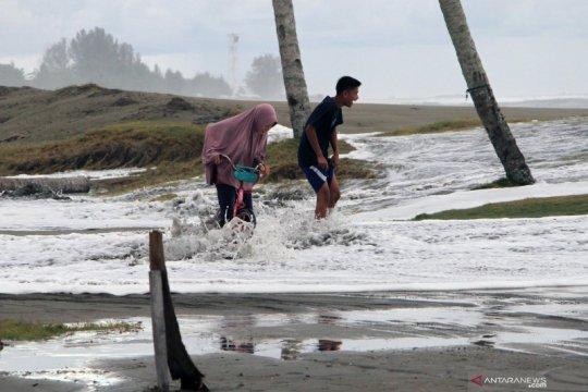 Banjir rob di Aceh Barat