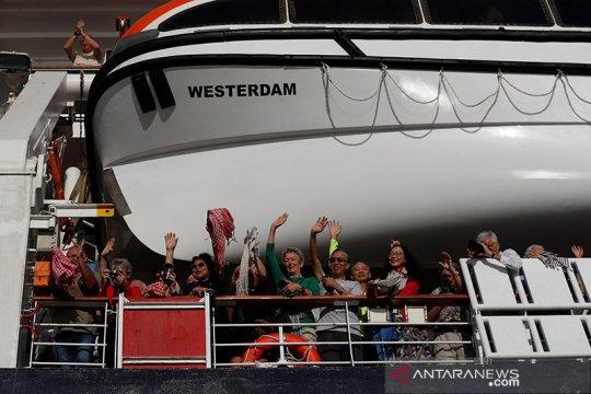 COVID-19 terdeteksi di kapal pesiar Singapura