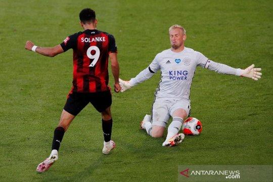 Bournemouth hidupkan asa hindari degradasi setelah lumat Leicester 4-1