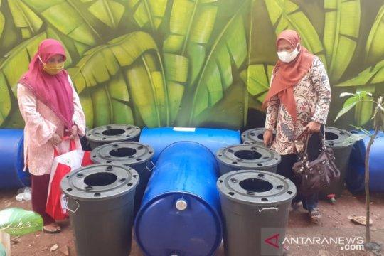 PKK Tugu Selatan kembangkan budidaya ikan dalam ember