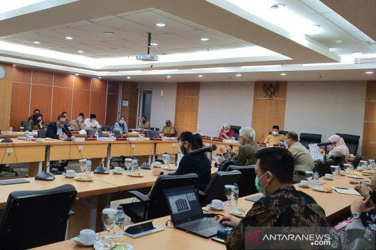 Komisi B sayangkan tiga pejabat tak hadir di DPRD DKI Jakarta