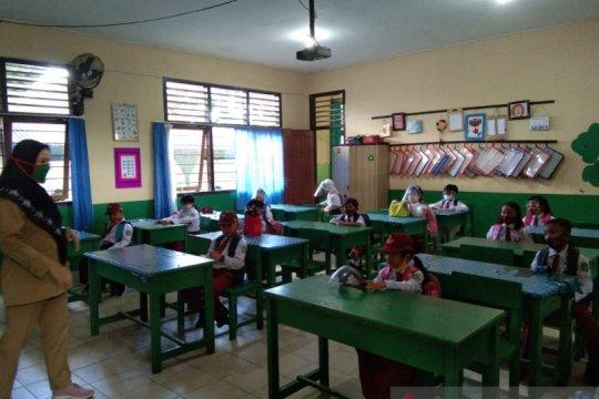 Siswa di Belitung masuk sekolah 30 persen dengan protokol kesehatan