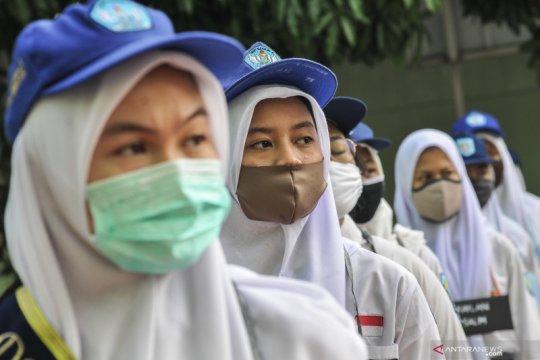 Hari pertama sekolah di Bekasi