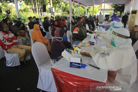 Gugus tugas telusuri positif COVID-19 pada tiga media di Surabaya