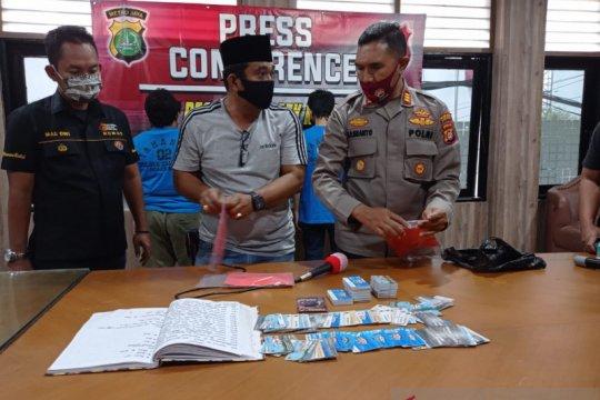 """""""Polisi - wartawan"""" gadungan di  Jakarta Barat diringkus"""