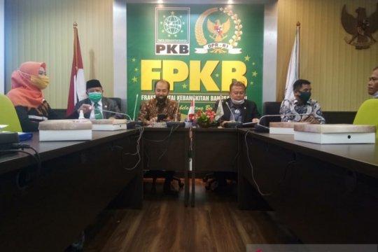 F-PKB terima aspirasi petani Sumut jalan kaki ke Jakarta