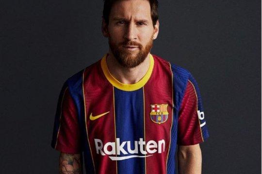 Barcelona rilis jersey baru untuk musim 2020/21