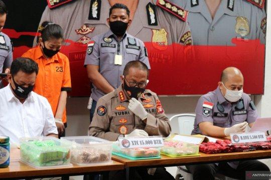 Polda Metro Jaya tangkap wanita simpan 15.000 butir ekstasi