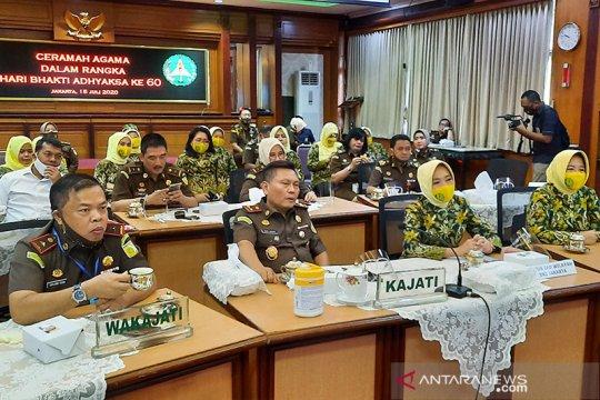 Kejati DKI salurkan 2.550 paket sembako untuk warga terdampak COVID-19