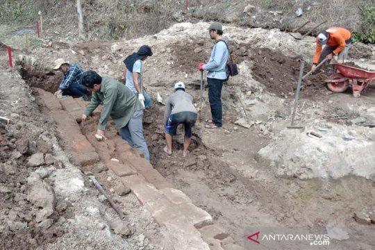 Ekskavasi dilakukan di situs yang diduga petirtaan kuno di Kediri