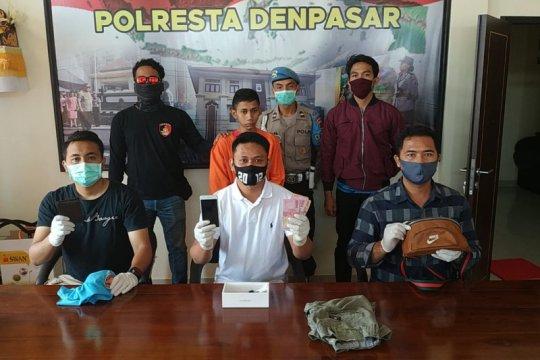 Mantan karyawan mal di Bali membobol uang hasil parkir lewat plafon