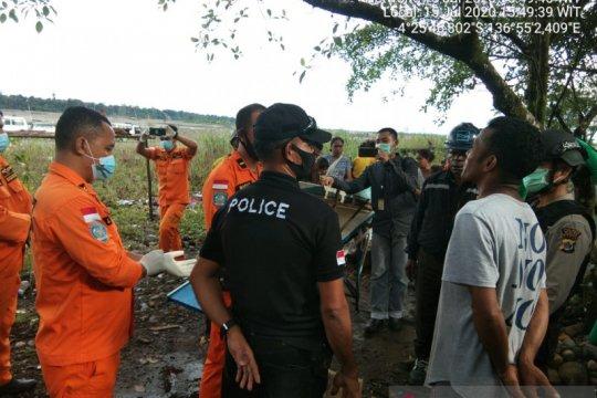 Tim SAR Timika evakuasi jenazah pendulang terseret arus sungai