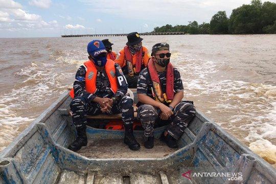 Kapal pencari ikan karam di Rokan Hilir Riau, dua nelayan hilang