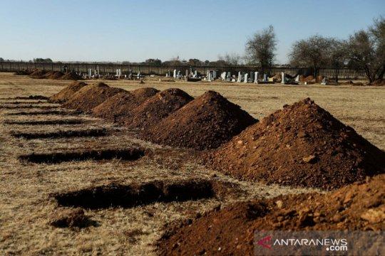 Menkes Afrika Selatan Mkhize positif corona