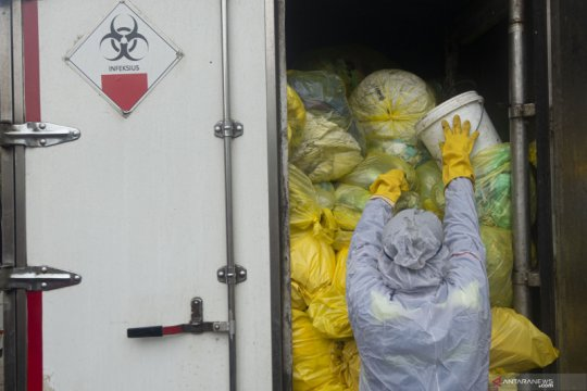 Kemarin, limbah medis meningkat hingga bantuan subsidi gaji