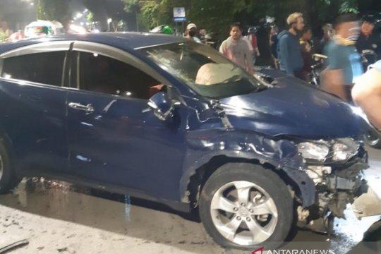 Dua tewas dan satu luka ditabrak mobil mahasiswi di Jakarta Timur