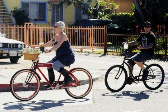 Daftar selebritas Hollywood yang hobi bersepeda