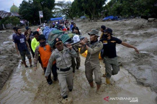 Korban jiwa banjir bandang Luwu Utara bertambah jadi 32 orang