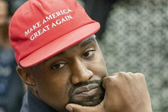 Tangis Kanye West pecah saat  berkampanye sebagai calon presiden