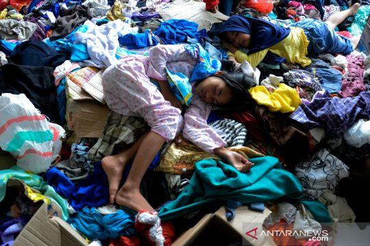 Pengungsi bencana banjir bandang di Luwu Utara