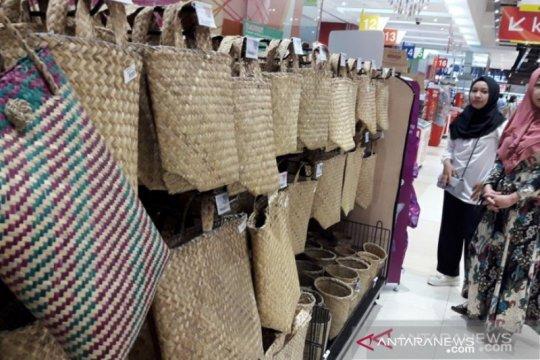 5.000 bakul jadi gerakan tanpa kantong plastik di pasar Banjarmasin