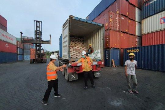 Petrokimia ekspor perdana kapur pertanian ke Brunei Darussalam