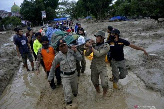 Polres Luwu Timur kerahkan personel ke lokasi banjir Luwu Utara