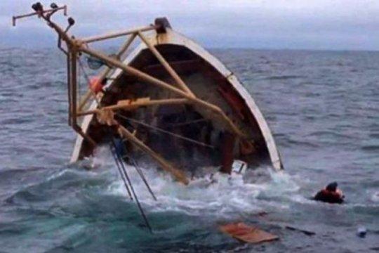"""Speedboat"" patroli Polri tenggelam di Pulau Tibi"