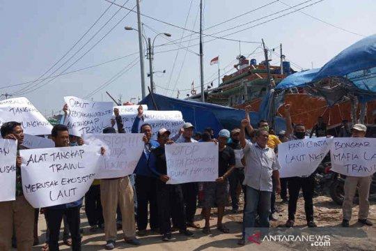 Nelayan Indramayu resah atas rencana KKP kembali legalkan cantrang