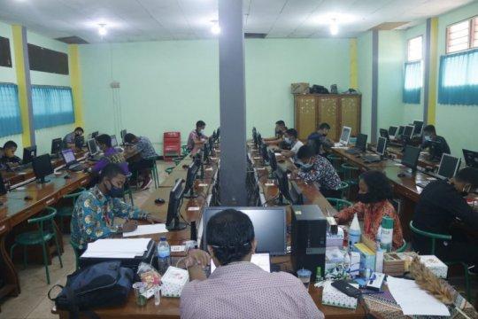 Puluhan catar Akademi Kepolisian dari Papua ikuti tes akademik