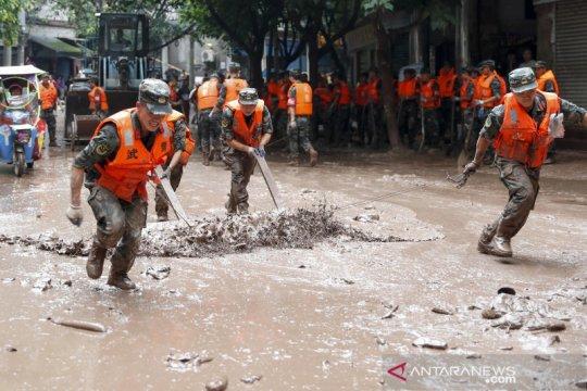 Sungai Wuqiao di China meluap, banjir rendam Kota Chongqing