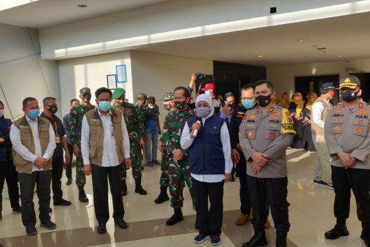 Khofifah minta Stadion Joko Samudro tiru RS Darurat Lapangan Surabaya