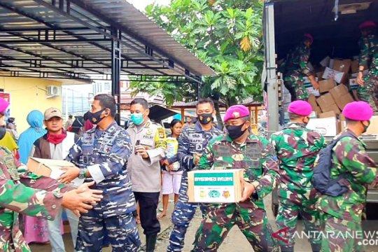 Lantamal VI salurkan bantuan bagi warga terdampak banjir di Masamba