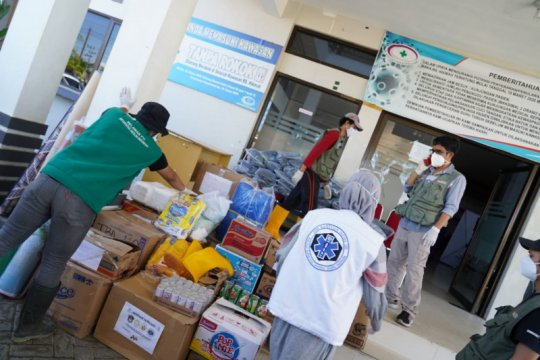 TBM FK dan FTI UMI sinergi bantu korban banjir bandang Masamba