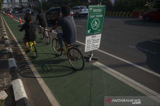 DKI bagikan buku saku agar masyarakat bersepeda dengan aman-bijak