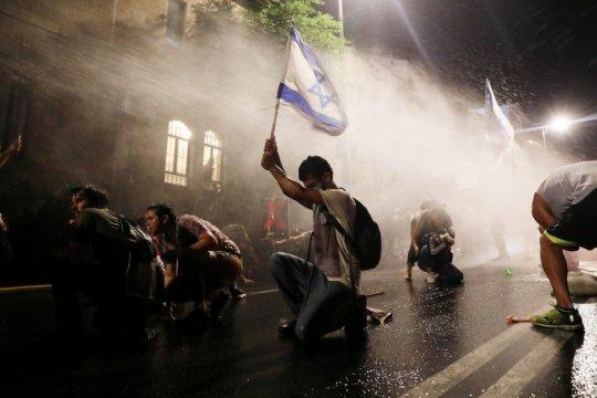Protes terhadap Netanyahu meningkat karena krisis virus corona