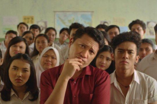 """""""Guru-Guru Gokil"""" tayang 17 Agustus di Netflix, ini ulasan singkatnya"""