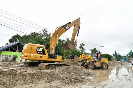 Luwu Utara fokus buka akses jalan nasional pascabanjir