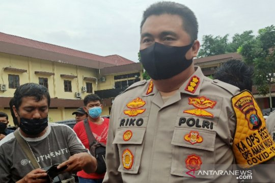 Empat pria diamankan terkait dugaan penganiayaan polisi