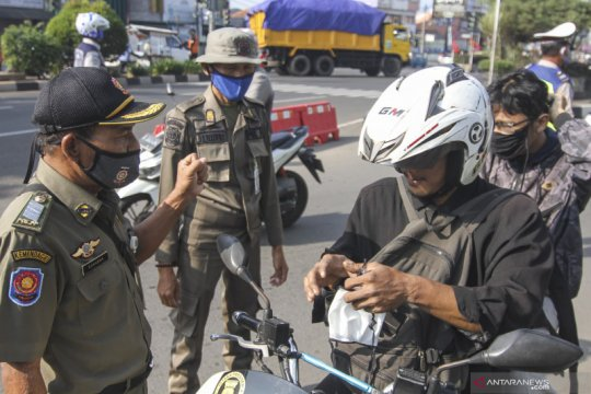 Satpol PP Depok dan DKI Jakarta gelar operasi gabungan tertib masker