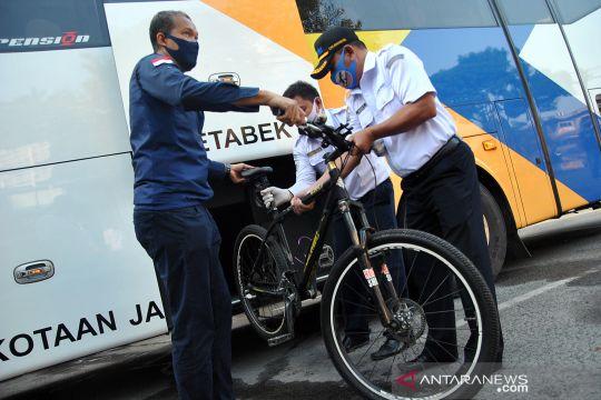 Layanan bus gratis untuk pekerja yang menggunakan sepeda
