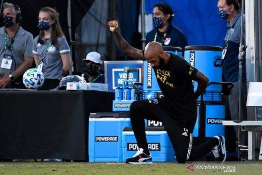 Pemain MLS dikritik Donald Trump karena aksi berlutut