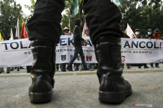 Aksi mahasiswa tolak reklamasi Ancol