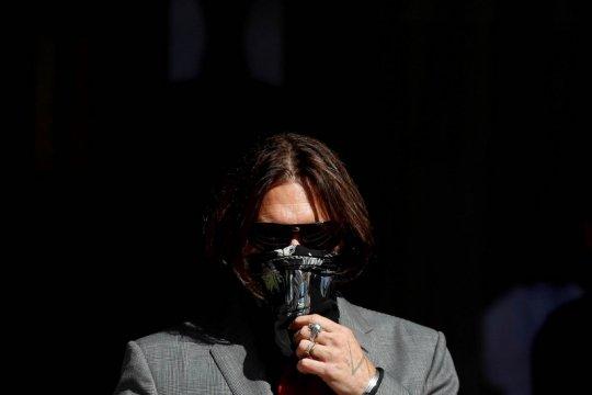 Pengacara sebut Johnny Depp tukang pukul istri saat mabuk