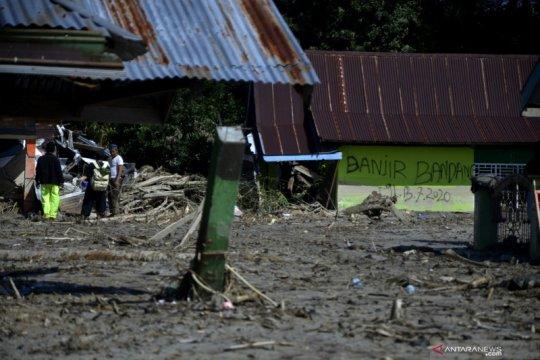 PMI bantu kebutuhan dasar korban banjir Luwu Utara