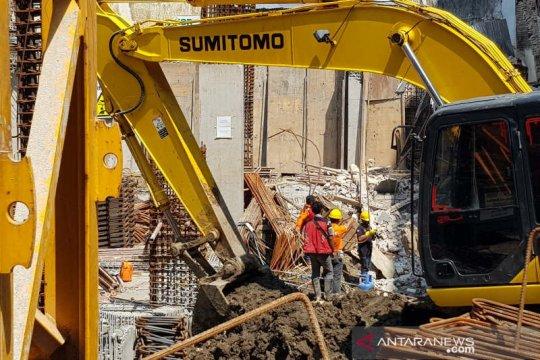 Empat pekerja proyek Hotel Awann Sewu Semarang tewas tertimpa tembok