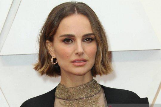 """Natalie Portman batal main di film """"Days of Abandonment"""""""