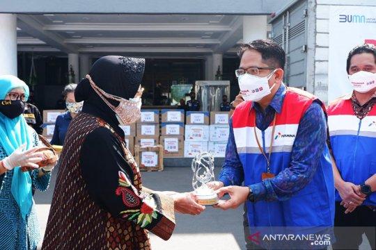 Pertamina gelontorkan 19.600 perlengkapan kesehatan ke Pemkot Surabaya