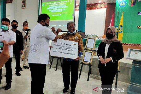 425 mahasiswa putra-putri petani terima beasiswa dari Pemprov Lampung
