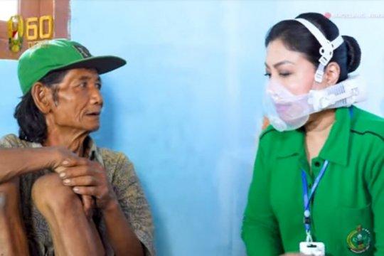Istri kepala staf TNI AD kunjungi kediaman Mbah Diyono
